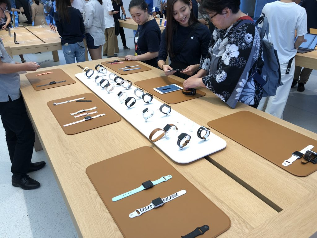 AppleStore京都店のAppleWatchコーナー
